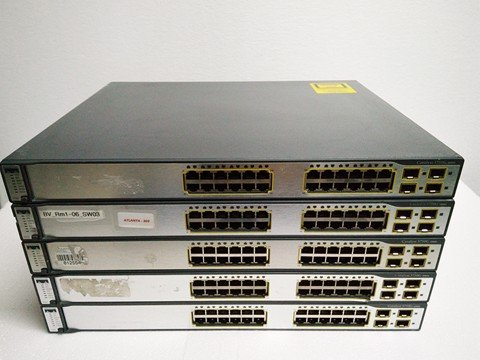 Switch CISCO WS-C3750G-24TS-S1U
