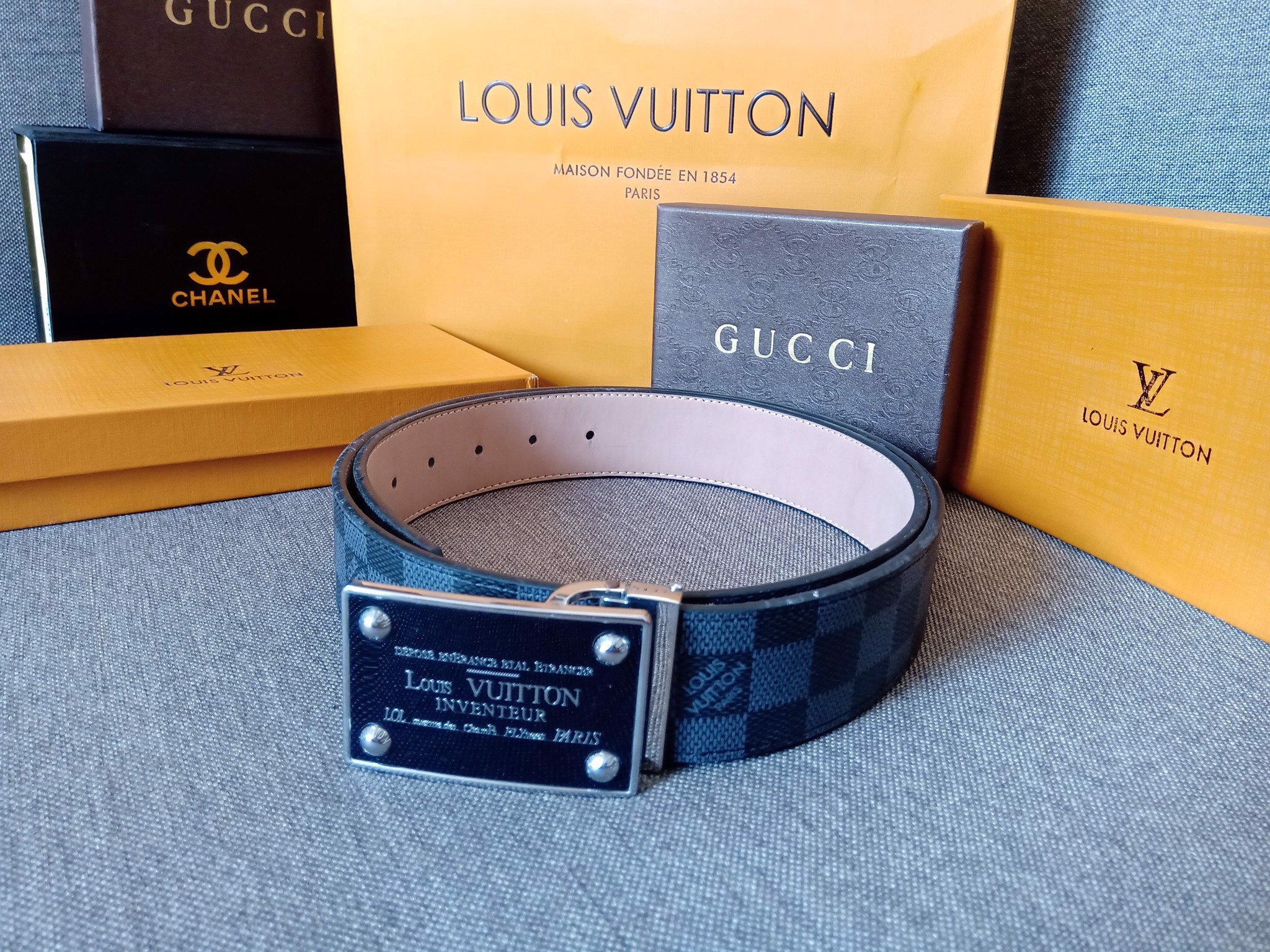 Thắt lưng Louis Vuitton Neo Trunk 44 mm Reversible Belt