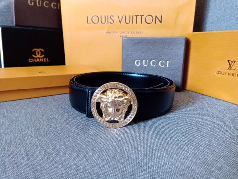 Thắt lưng Versace Black Medusa Logo Buckle Leather Belt