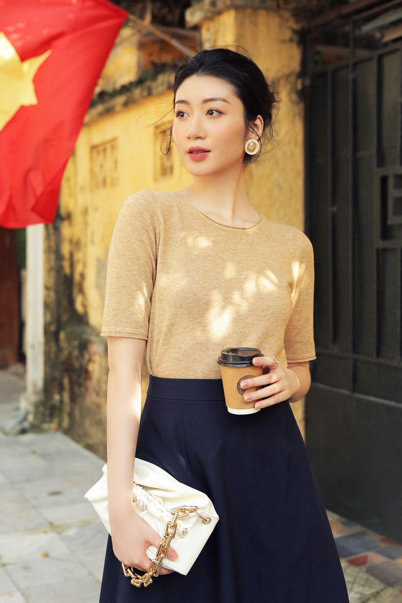 Áo Low Round Neck