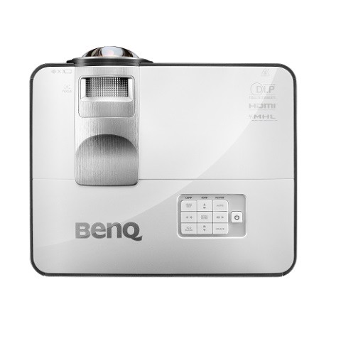 may-chieu-benq-mw824st