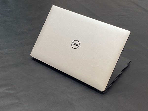Dell 5520 Core i7-7820H 8GB 256GB M1200M 4K touch