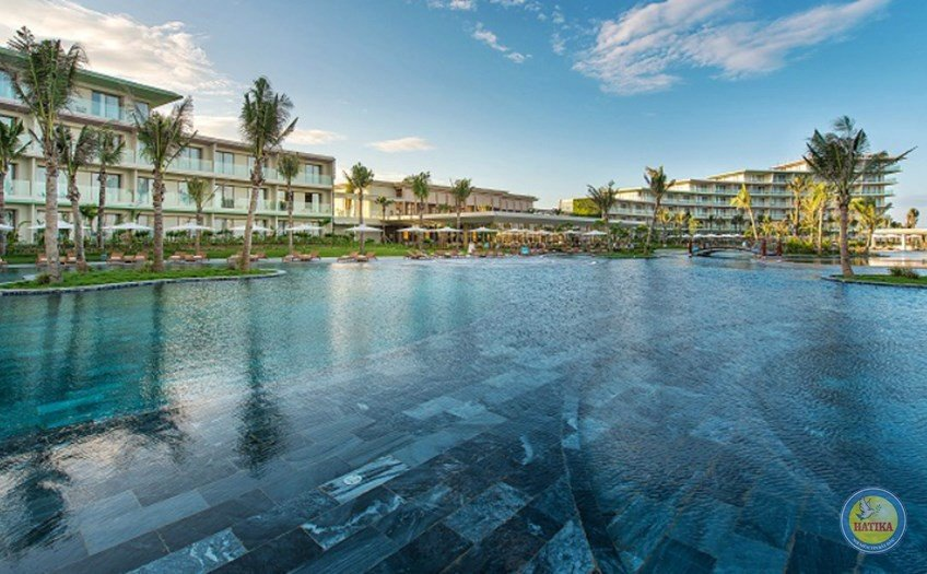 FLC Luxury Sầm Sơn Beach & Golf Resort