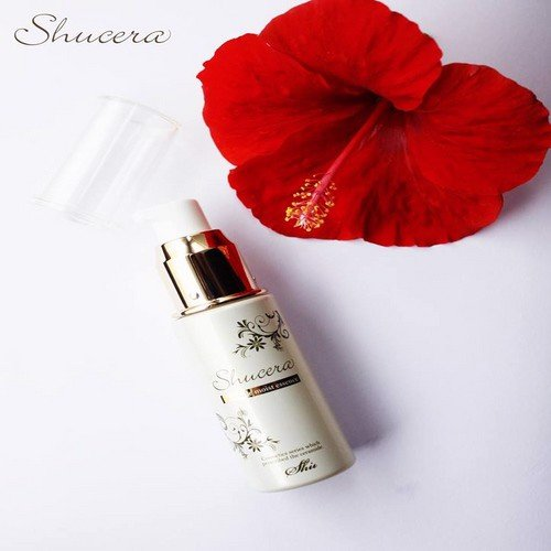 Shucera ceramide moist essence