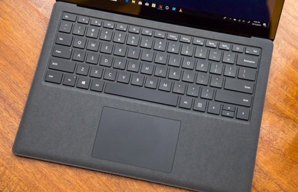 ban-phim-surface-laptop-2