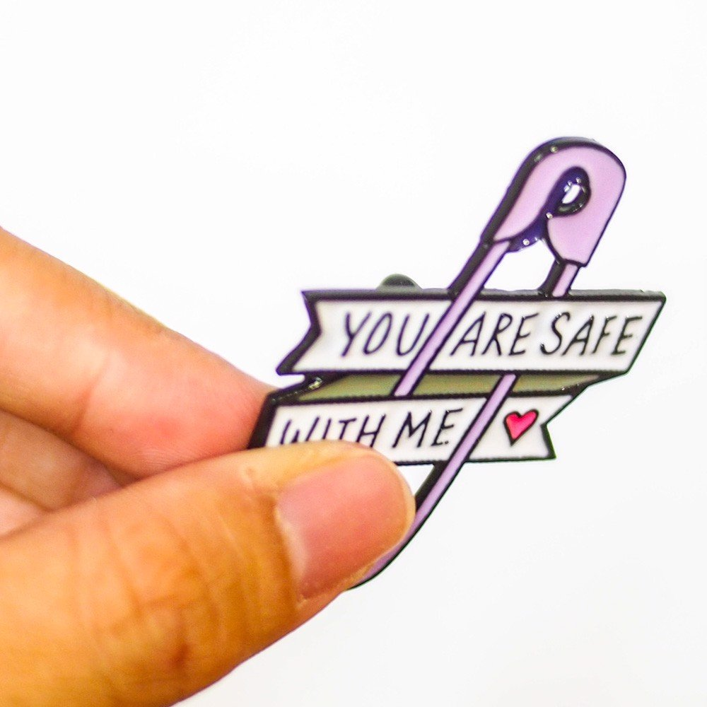 Kim băng You are safe with me - Pin sticker ghim cài áo