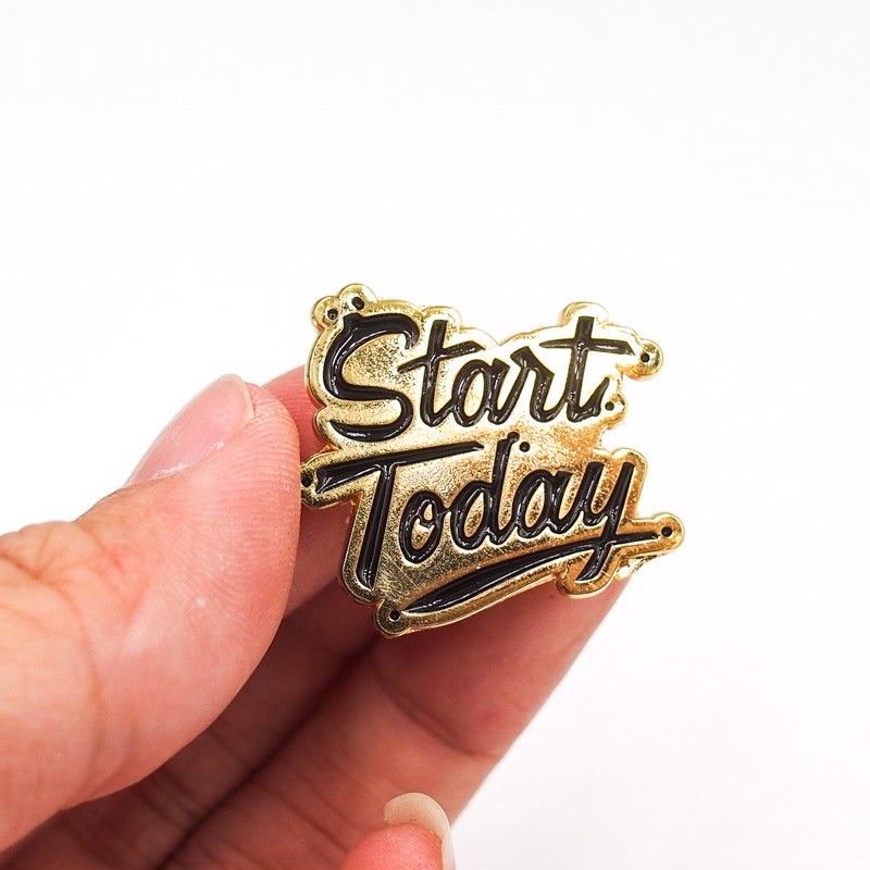 Start today vàng 2.5x2cm - Pin sticker ghim cài áo
