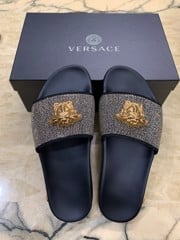 Dép Versace thong goat leather
