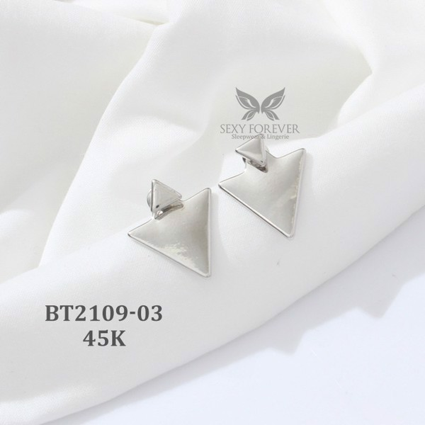 TRIANGULAR EARRINGS 03