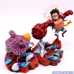 Monkey D. Luffy Gear 4 VS Doflamingo Showdown Figure