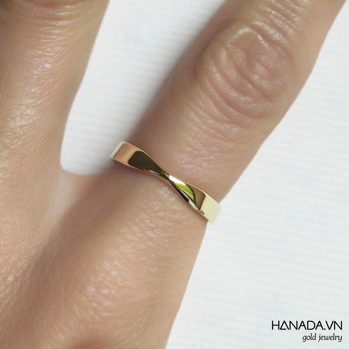 Nhẫn Vàng 14k Hanada Xoắn Nhẹ