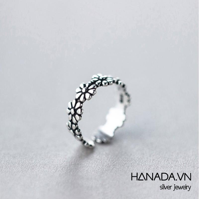 Nhẫn Bạc 925 Hanada N1234.R.0.T.160.0552 Hoa Xi Đen Nhỏ