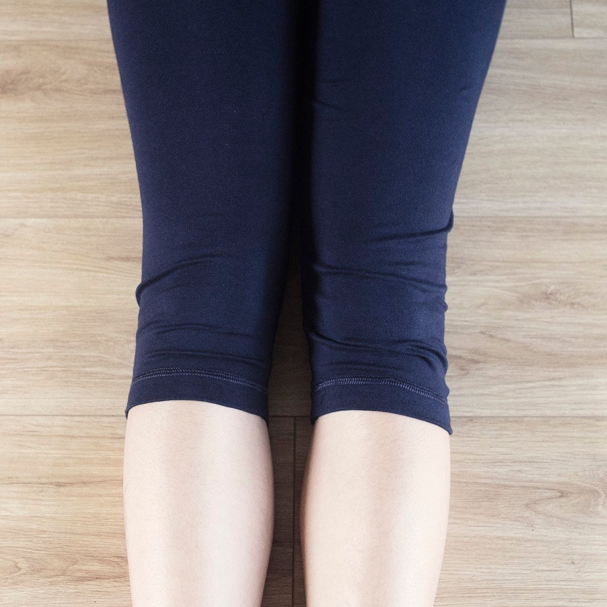 BLESSED EARTH Quần lửng Capri legging Navy