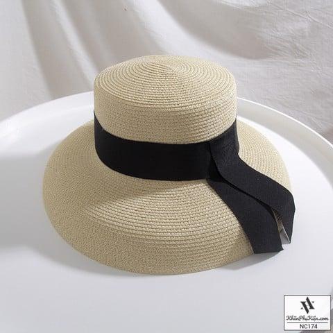 Nón vành chụp đèn chống nắng bảo vệ da khi đi biển