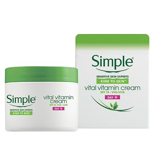 Kem dưỡng ban đêm Simple Kind to Skin Vital Vitamin Night Cream