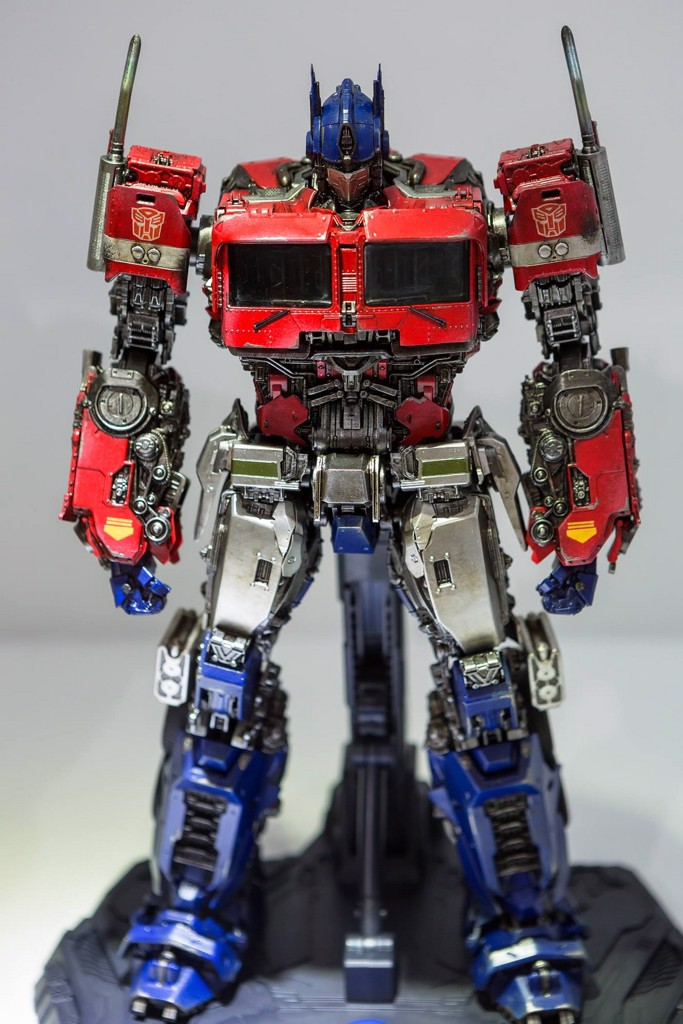Optimus 3A threezero Transformers
