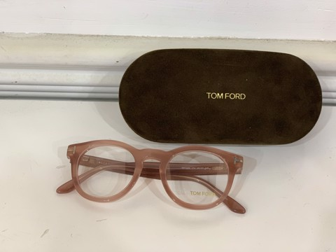 Kính Tom Ford TF5489 074 48 22 145
