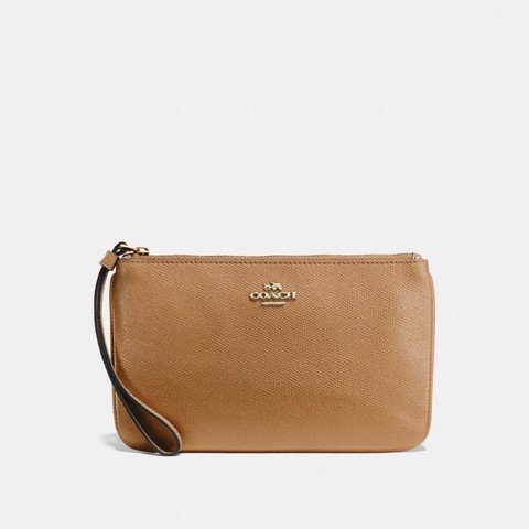 Túi COACH LARGE WRISTLET F57465 LIGHT SADDLE-IMITATION GOLD