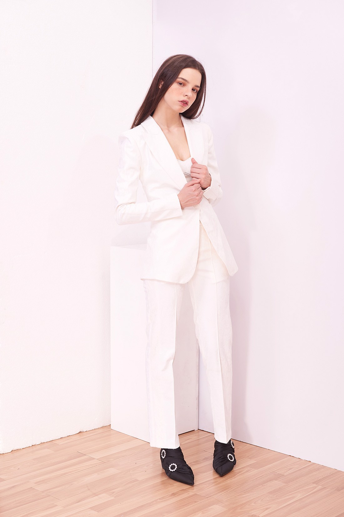 Lace line White Brocade Blazer