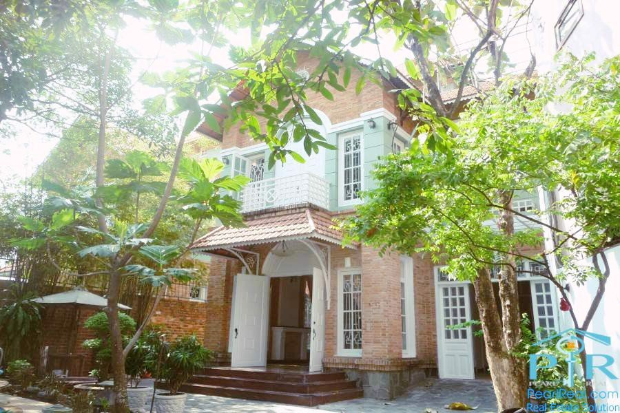 Villa with swimming pool for rent in district 3, Ho Chi Minh city