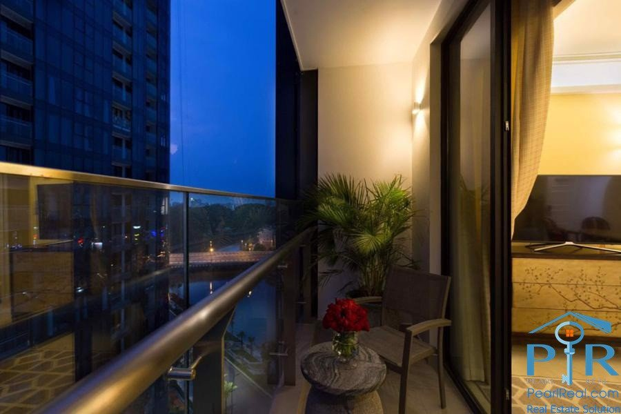Stunning Apartment In Vinhomes Golden River, HCMC