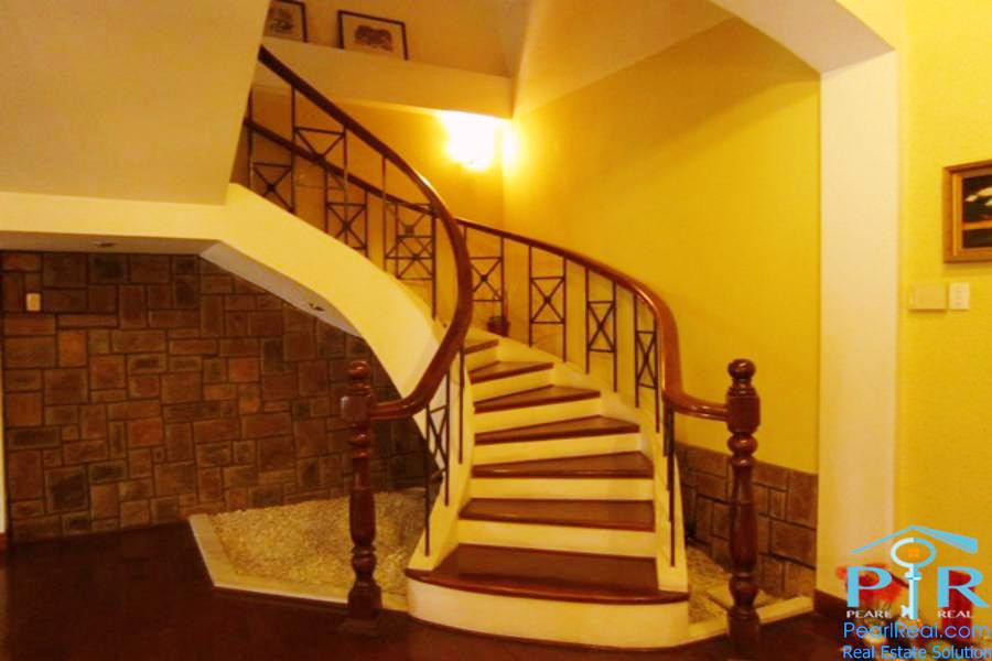 Luxury villa in quiet & safe area in district 1, Ho Chi Minh city