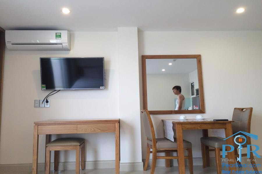 Bright serviced studio for rent in district 7, HCMC