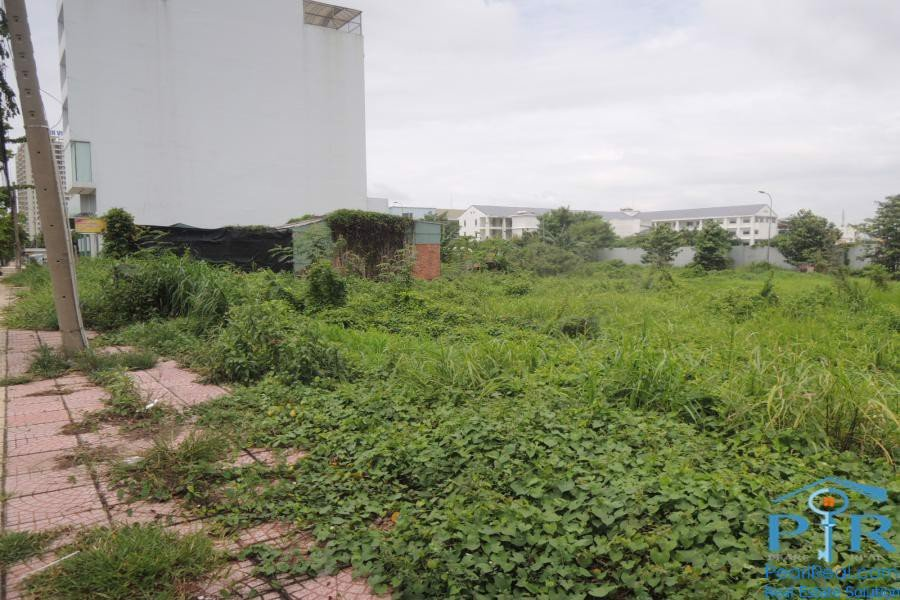 Land for rent in Pham Van Dong street, district 2, Ho Chi Minh city