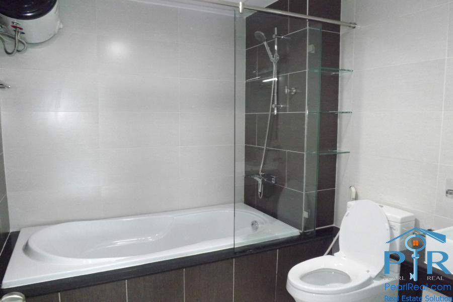 Serviced apartment for rent in International Plaza building, district 1