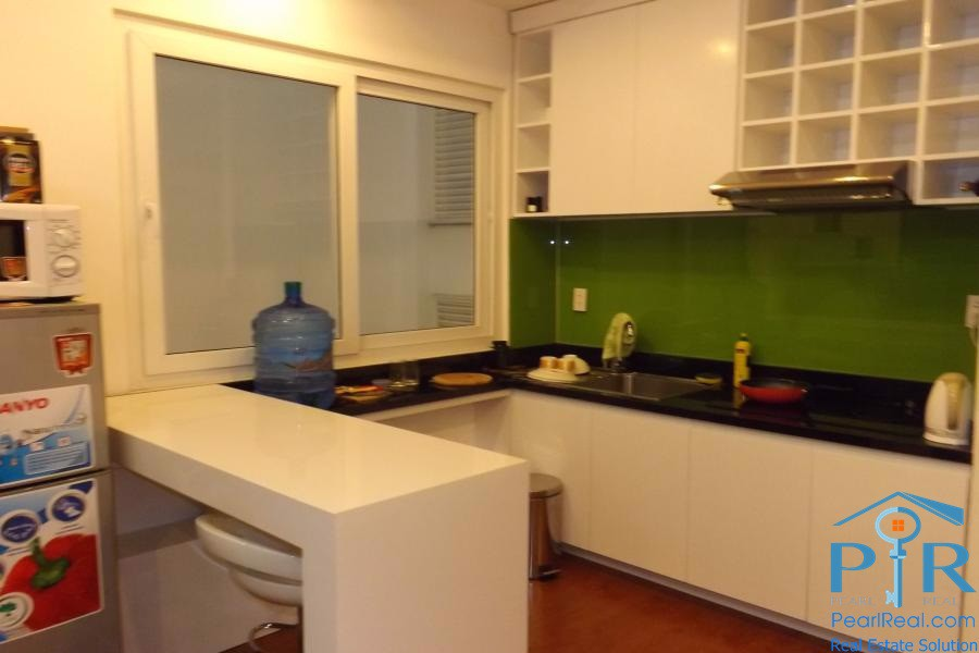 Modern serviced apartment for rent in quiet alley, district 1