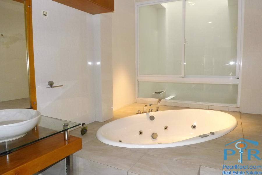 Modern townhouse for rent near New World hotel, District 1, Ho Chi Minh City