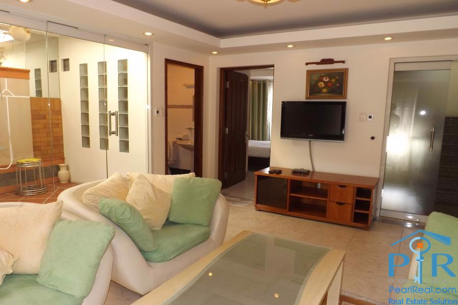 Apartment for rent on quiet lane, District 1, HCMC