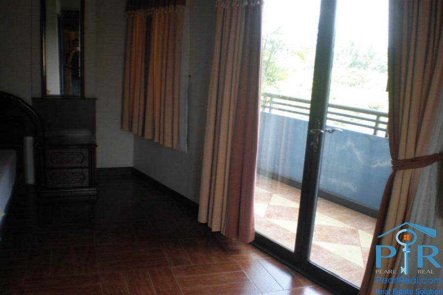 Spacious serviced apartment for rent on Truong Son Street, Tan Binh District