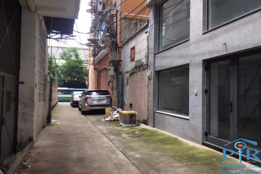 House for lease right in central of district 1, Ho Chi Minh city