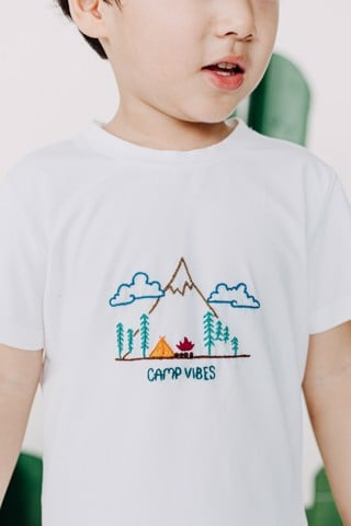 CAMP VIBES TOP