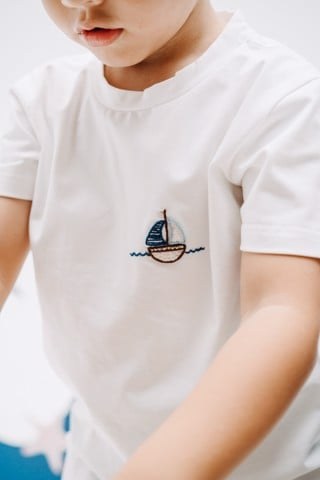 BOAT IN THE SEA TOP