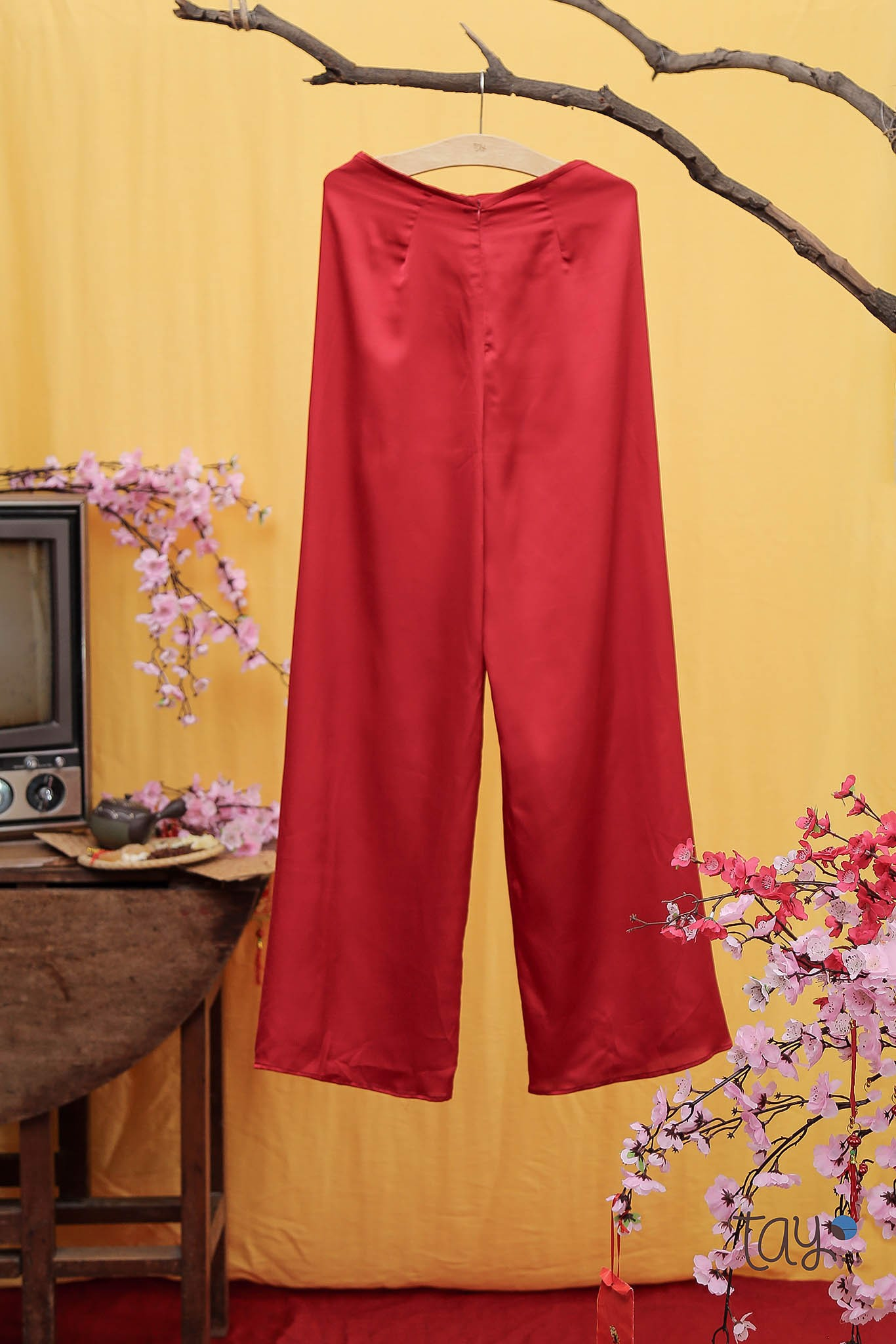 RED SATIN PANTS