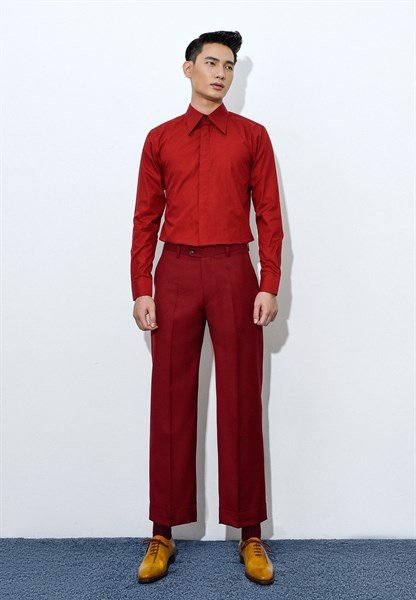 Scarlet red trousers