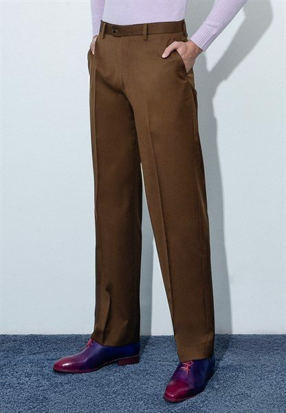 Brunette brown trousers