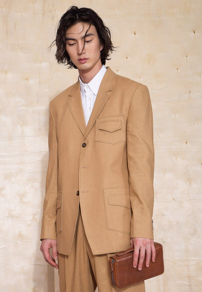 Caramel three-buttoned suit blazer