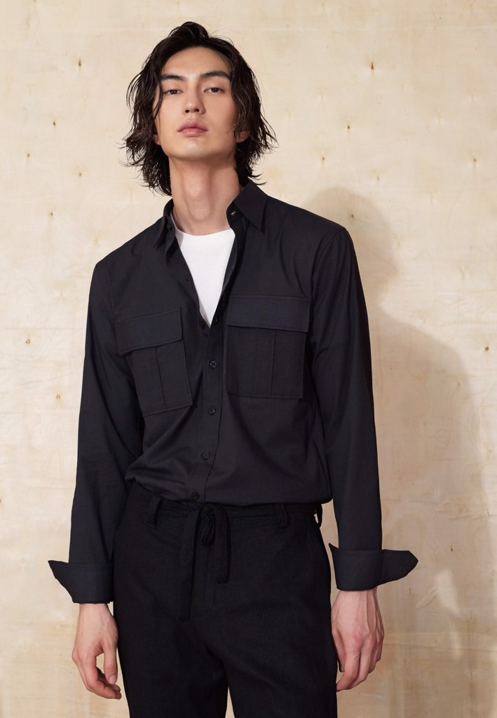 Black linen shirt with patched pockets