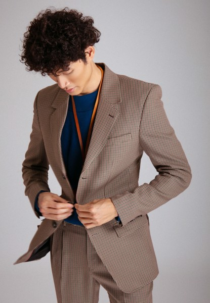 Light brown houndstooth blazer