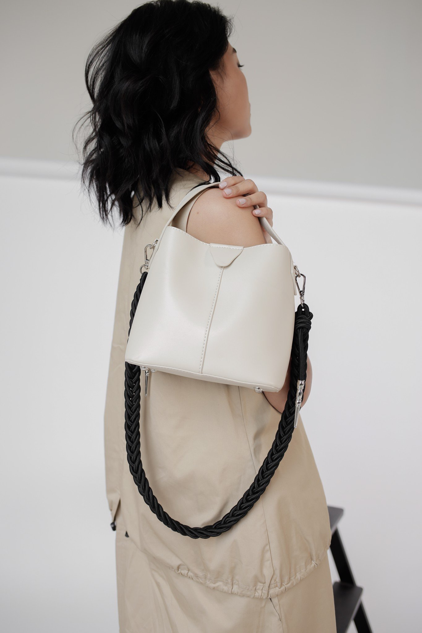 Layla bucket bag / cream