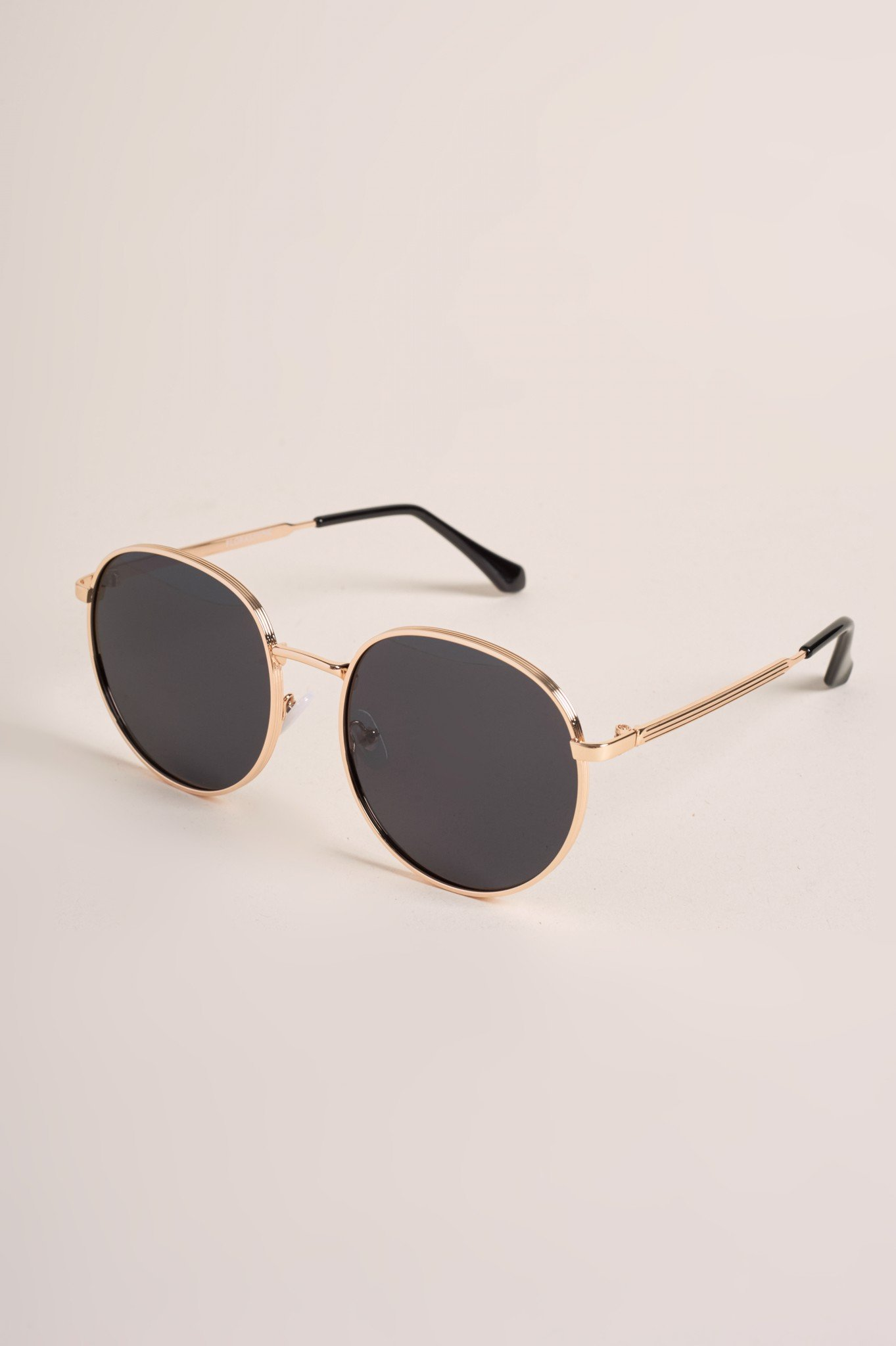LYDIA BLACK SUNGLASSES