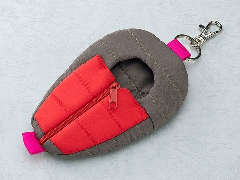 Nendoroid Odekake Pouch Sleeping Bag Gray & Red Ver.
