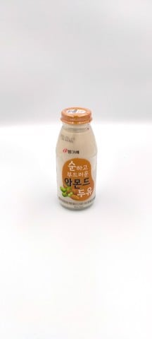 Sữa Soy Milk Almonds chai *30