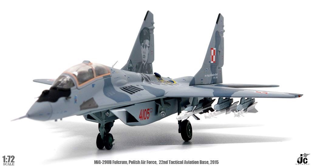 Mô Hình Máy Bay Polish Air Force MiG-29UB Fulcrum-B Red 4105 | JC Wings 1:72