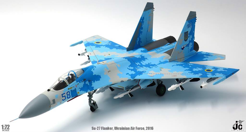 Mô Hình Máy Bay Ukrainian Air Force Sukhoi Su-27 Flanker-B Blue 58 | JC Wings 1:72