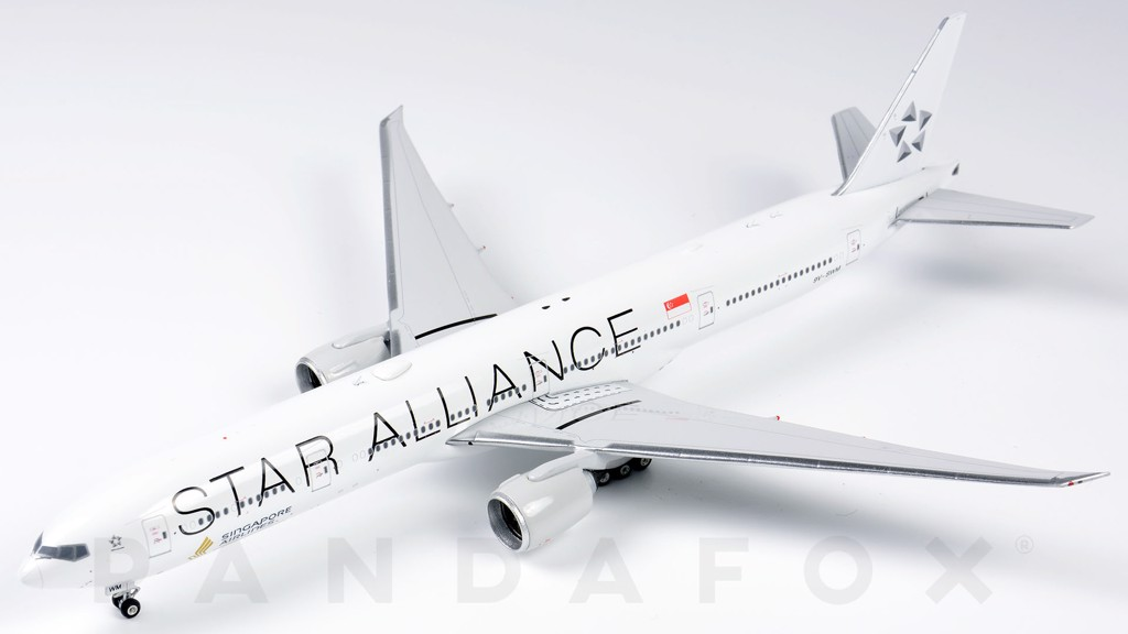Mô Hình Máy Bay Singapore Airlines Boeing 777-300ER 9V-SWM Star Alliance | Phoenix 1:400