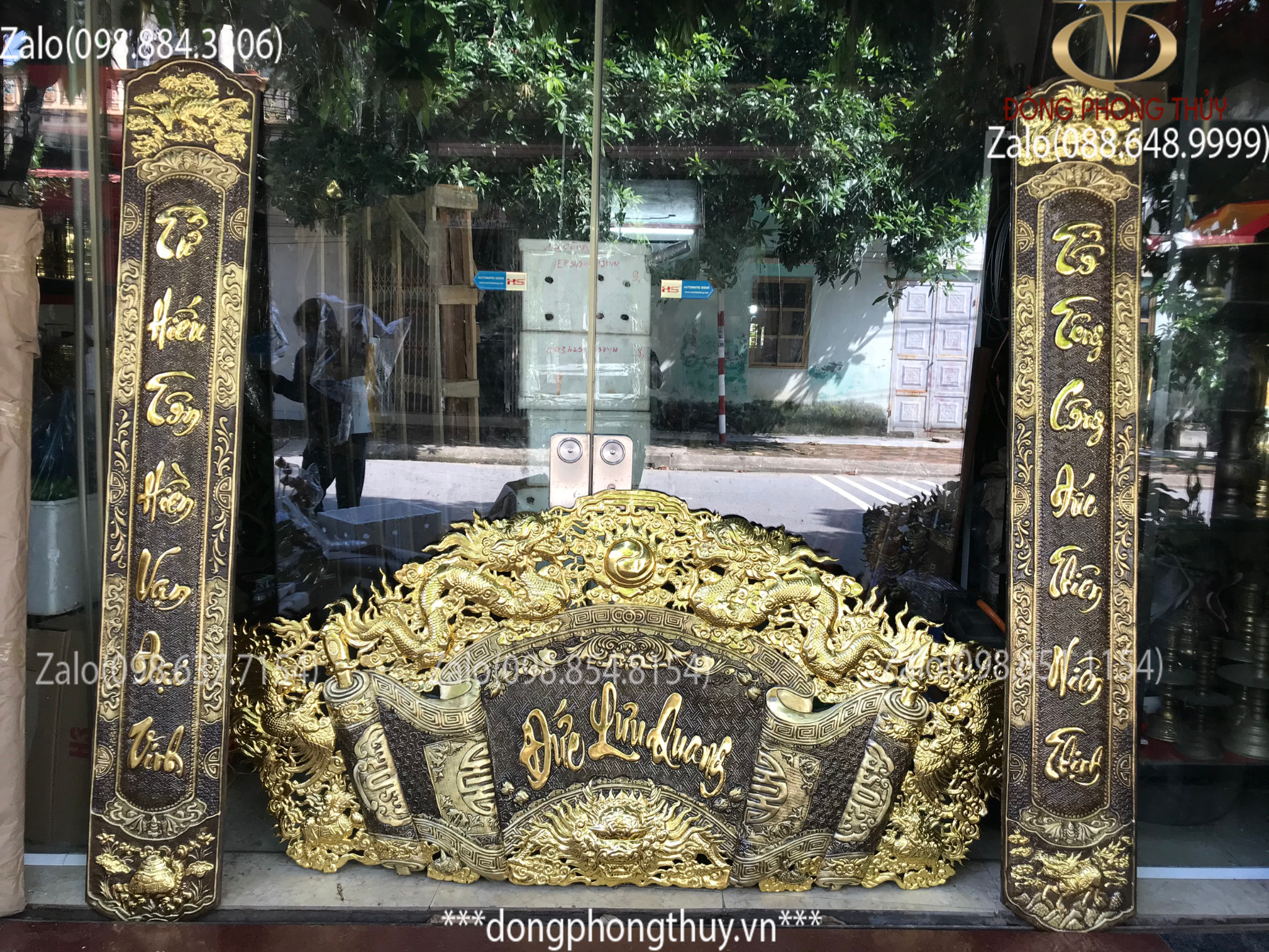 Bộ cuốn thư câu đối 1m76 dát vàng bạc chữ Việt hàng đẹp